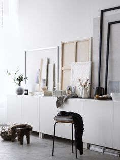 http://stilinspiration.elledecoration.se/diy-art-basic-ikea-favourites/
