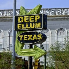 Deep Ellum Arts Festival in Dallas - Whether you're looking for a great place to be inundated with local quirk and culture or you're looking to hear, smell, taste, and see some of the best of Dallas—or all of the above—a trip to the Deep Ellum Arts Festival won't disappoint.