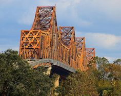 The Huey P. Long bridge, Baton Rouge