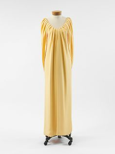 1989, America - Silk evening dress by Oscar de la Renta, Ltd.