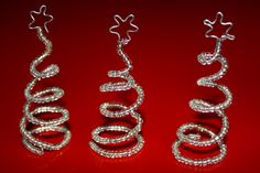 Et enkelt men charmerende juletræ lavet i perler