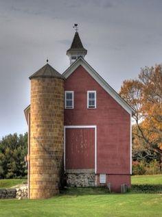 Barn & Silo In The Fall
