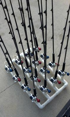 Kayak Storage Pallets PVC fishing rod holder- need to make this for Danielle and Rich :) Fishing Pole Storage, Fishing Pole Holder, Pole Holders, Fishing Reels, Pvc Rod Holder, Kayak Storage, Smart Storage, Carp Fishing, Best Fishing