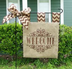 Burlap Garden Flag - Welcome Flag - Matching Chevron Tabs and Bow Burlap Projects, Burlap Crafts, Diy And Crafts, Burlap Yard Flag, Burlap Garden Flags, Chevron Bow, Chevron Burlap, Custom Embroidery, Embroidery Applique
