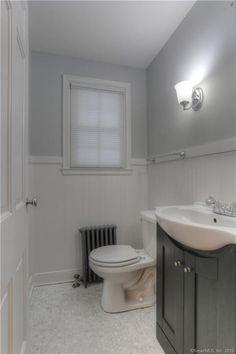 Cloakroom Ideas, Toilet, Home And Family, Portal, Bathrooms, Public, Flush Toilet, Bathroom, Full Bath