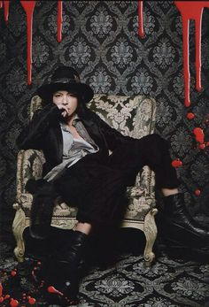 HYDE VAMPS What's In Magazine Gackt, Good Looking Men, Visual Kei, Celebrity Crush, Rock Bands, Sexy Men, How To Look Better, Singer, Actors