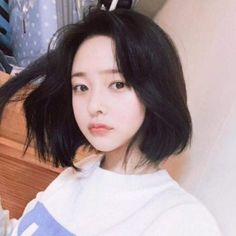 Cute Korean Girl, Cute Asian Girls, Girl Short Hair, Short Hair Cuts, Shot Hair Styles, Long Hair Styles, Korean Beauty, Asian Beauty, Korean Short Hair