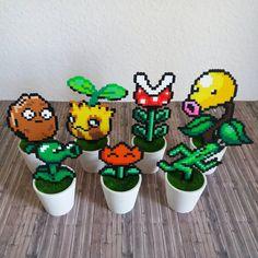 "Gefällt 483 Mal, 13 Kommentare - Beads meet Geeks (@beadsmeetgeeks) auf Instagram: ""My garden keeps growing. 😁 And there are more plants I want to make. 😉  #bügelperlen #perler #hama…"""