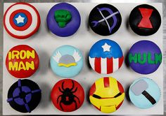 Avengers Cupcakes Captain America, The Hulk, Hawkeye, ? Iron Man, Thor, Captain America, The Hulk, Haweye, Spiderman, Ironman, Thor