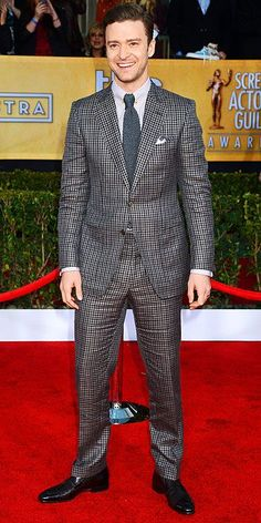 JT @ the SAGs - checkered suit, woven tie Celebrity News, Celebrity Style, Checkered Suit, Sag Awards, Famous Stars, Justin Timberlake, Mens Suits, All Star, Sexy Men
