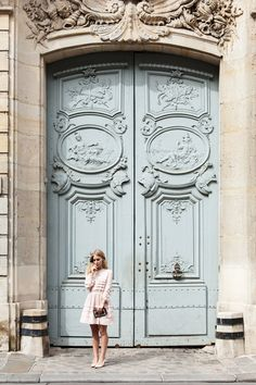 Paris and its Doors — Paris in Four Months Architecture Parisienne, Parisian Architecture, Architecture Details, Cool Doors, Antique Doors, Paris Apartments, Entrance Doors, Door Design, French Doors