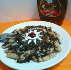 Tradičné makové šúľance v novom šate Waffles, Pancakes, Ale, Breakfast, Recipes, Food, Poppy, Basket, Morning Coffee