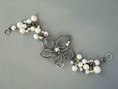 Pulsera de plata con perlas joyas para novia por UrsulaJewelry