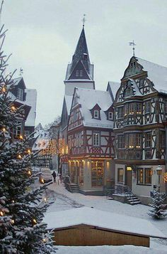 Idstein / Taunus Idstein at Christmas time Hesse Germany (by Lutz Koch) The post Idstein / Taunus appeared first on Deutschland. Oh The Places You'll Go, Places To Travel, Places To Visit, Winter Szenen, Winter Travel, Winter Time, Christmas Travel, Christmas Time, Xmas