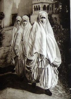 Lehnert and Landrock, 1924 algerian women going for an outing to a cemetery. Harem pants inspiration