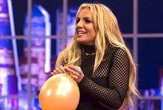 Britney Spears canta como Taylor Swift en programa de TV