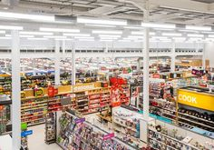 As part of the cooperation, Sainsbury's store in Leek is the first supermarket installation to utilise GE's Lumination™ Linear Suspended luminaires