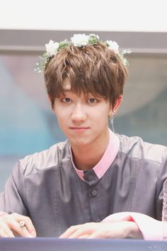 Flower crown Hao