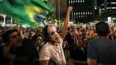 En la conversación grabada por la policía judicial, Rousseff le anuncia a Lula que se aprestaba a enviarle el decreto de su nombramiento como jefe de gabinete, para que pueda