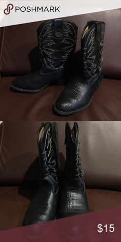1f8628e7cf3 Shop Kids  Smart Fit Black size Boots at a discounted price at Poshmark.  Description  Just in time for the Fall