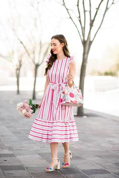 A Splurge-worthy Dress for Spring - M Loves M Stylish Dresses, Women's Fashion Dresses, Older Women Fashion, Womens Fashion, Cheap Fashion, Shorts Longs, Trends, Fashion Over 50, Look Cool