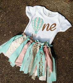 Birthday Hot Air Balloon Outfit by ADapperDachshund on Etsy - Twin First Birthday, 1st Birthday Outfits, Baby Girl Birthday, 1st Birthday Parties, Birthday Ideas, Balloon Birthday Themes, Balloon Party, Hot Air Balloon Outfit, Fiesta Outfit