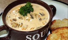 Mushroom Soup - Pinner says: I found this yummy mushroom soup recipe from The Pioneer Woman and since I love mushrooms I had to try it. It is so rich and full of flavor and dipping freshly toasted french bread is a must! Easy Mushroom Soup, Mushroom Cream Soup, Best Mushroom Recipe, Mushroom Soup Recipes, Food Network Recipes, Cooking Recipes, Cooking Ideas, Cream Soup Recipes, Soup Kitchen