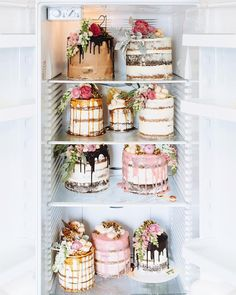 Obsessed with naked cakes flowers I need some sort of occasion to order these by marianna_hewitt Cupcakes, Cake Cookies, Cupcake Cakes, Cupcake Ideas, Pretty Cakes, Beautiful Cakes, Amazing Cakes, Beautiful Things, Bolos Naked Cake