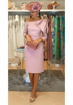 [Vestidos de fiesta cortos] - VESTIDO PAULINA Mother Of The Bride Jackets, Race Day Outfits, Royal Clothing, Dress Indian Style, Casual Work Outfits, Dress Hats, Minimalist Fashion, Beautiful Outfits, Designer Dresses