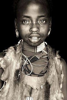 Nyangatom girl / Ethiopia