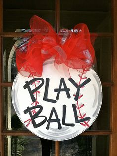 Play Ball Door Hanger. Gotta make this for next spring!-can't wait for Parker to start playing ball..I'd so have to make this for our door! :)