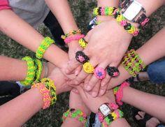 Rainbow Loom rubber band bracelet crafts!