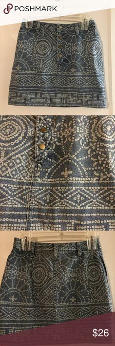 ❗️FINAL PRICE❗️Free People denim skirt Super cute denim skirt with pattern by Free People. Perfect condition. Free People Skirts