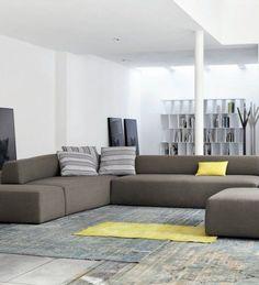 Sectional Upholstered Sofa by Mauro Lipparini Sofa Design, Japanese Sofa, Sofa Furniture, Furniture Design, Funky Sofa, Grey Interior Design, Modern Interior, Space Interiors, Luxury Sofa
