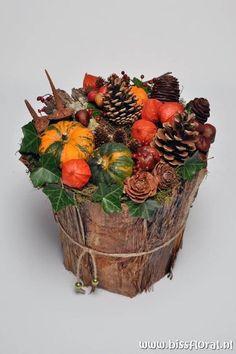 Осіння флористика: 22 яскраві ідеї | Ідеї декору Autumn Decorating, Fall Decor, Thanksgiving Decorations, Christmas Decorations, Fall Flower Arrangements, Deco Floral, Autumn Crafts, Fall Flowers, Diy Wreath