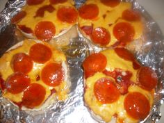 #Pizza bagels recipe: Budget recipe | http://journey.hubpages.com/hub/Pizza-bagels-recipe
