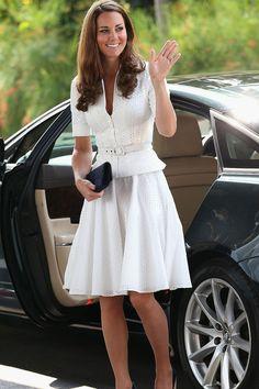 Los 100 mejores looks de Kate Middleton http://stylelovely.com/galeria/kate-middleton-100-mejores-looks/