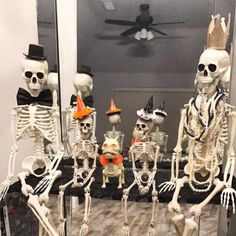 Find Halloween decorations for your party or yard. Shop for scary outdoor decorations, kid-friendly decorations, and complete Halloween party supplies. Halloween Outside, Halloween Lawn, Halloween Camping, Halloween School Treats, Halloween Porch Decorations, Halloween Drinks, Halloween Skeletons, Outdoor Halloween, Spirit Halloween