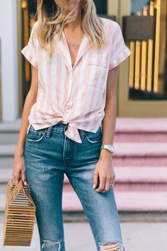 2017 Madewell top \\ Levis \\ Chanel ballet flats \\ Cult Gaia handbag \\ Michele watch c/o - I have this shirt (just with lavender stripes) and love the vibe/fit Cute Summer Outfits, Spring Outfits, Cool Outfits, Casual Outfits, Summer Clothes, Barbie Fashionista, Printemps Street Style, Look Chic, Office Outfits