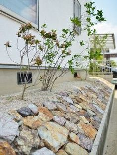 Most Popular Exterior Stone Wall Design House 48 Ideas Stone Wall Design, Love Garden, Stone Work, Exterior Design, Ideal Home, Planters, House Design, Patio, Landscape