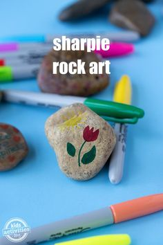 Easy Sharpie Rock Art Rock hunting is all the rage! Kids of all ages will love using Sharpie markers to create Sharpie Rock Art.Rock hunting is all the rage! Kids of all ages will love using Sharpie markers to create Sharpie Rock Art. Sharpies, Sharpie Markers, Sharpie Art, Sharpie Crafts, Sharpie Projects, Sharpie Doodles, Rock Painting Ideas Easy, Rock Painting Designs, Rock Painting Kids