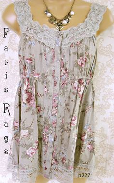 Vintage Rose Garden  Beautiful soft cotton in a dusty sage. Gorgeous Vintage Rose print fabric. Pin tuck and elastic waist. Romantic top for spring summer