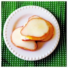Pear/Brie/Jelly Sandwich  -Sliced pears -Brie, or cream cheese -Apricot or Berry Jelly no sugar added  1. Spread one pear slice with cheese and jelly 2. Sandwich with another pear slice