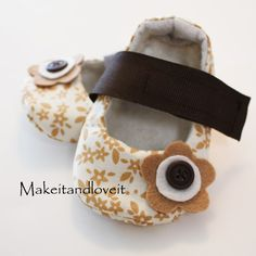 Pattern for little girl shoes. I need to have a kid already so I can make stuff like this!