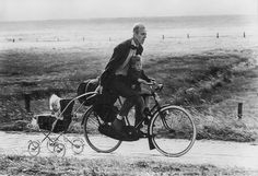 Netherlands 1966 - by Rudi Herzog German Old Pictures, Old Photos, Vintage Photos, Antique Photos, Illustration Photo, Illustrations, Velo Vintage, Holding Baby, Photos Voyages