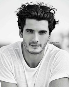 Yon González 😍 Pretty People, Beautiful People, Divas, Favorite Cartoon Character, Inked Men, Portrait Inspiration, Male Face, Attractive Men, Handsome Boys