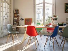 Plastic Chairs designed by Charles and Ray Eames in 1950 at Vitra on Clerkenwell Road. #eames @vitra @vitrahaus