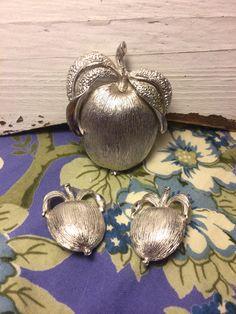 Vintage Sarah Coventry Apple Brooch and Earrings by GabsAndLolaJewellery on Etsy https://www.etsy.com/ca/listing/479902464/vintage-sarah-coventry-apple-brooch-and