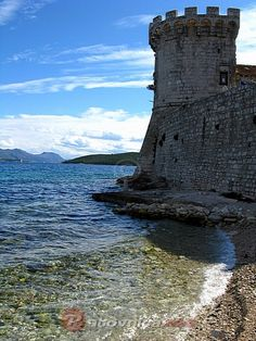 Zakerjan tower - unlike in Dubrovnik, where you have to pay for everything, even to go up to the walls of the old city, in Korcula, you can walk on the walls, dine inside the walls, even swim and snorkel right next to them.