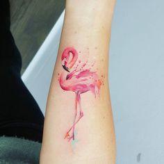 Jemka tattoo art flamingo tattoo ideas in memory of Mini Tattoos, Sexy Tattoos, Body Art Tattoos, Small Tattoos, Tatoos, Tattoo Flamingo, Flamingo Art, Pink Flamingos, Piercing Implant